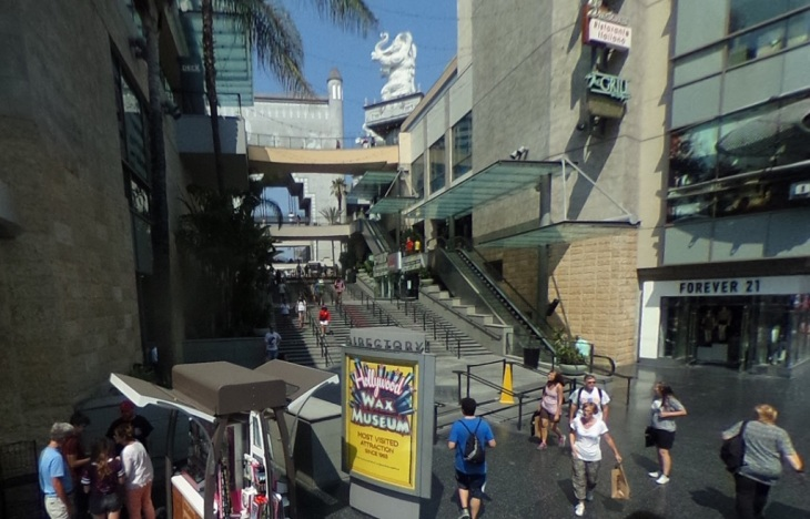 hollywood-and-highland-stairway