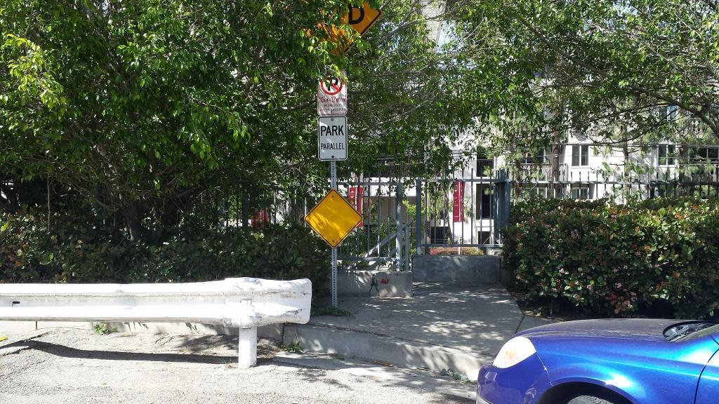 valparaiso-stairway