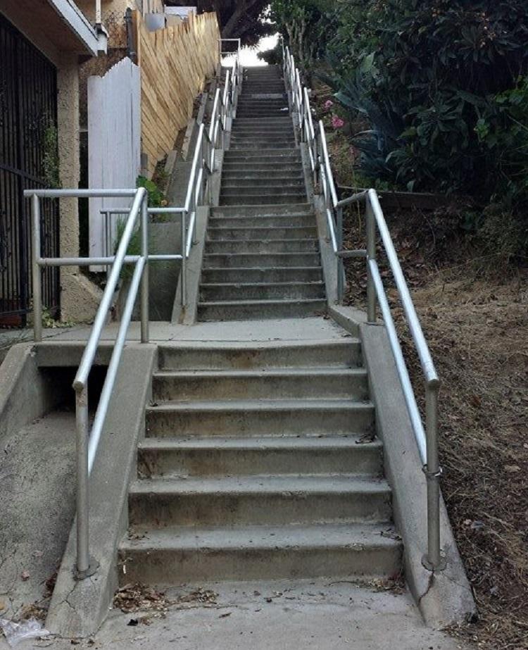 Abbot Pl Steps