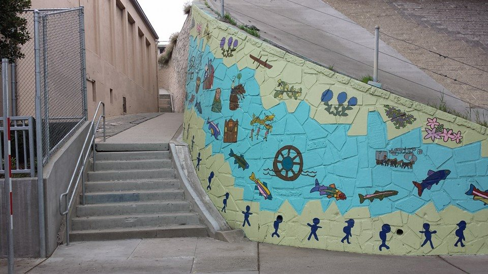 solano-school-with-mural