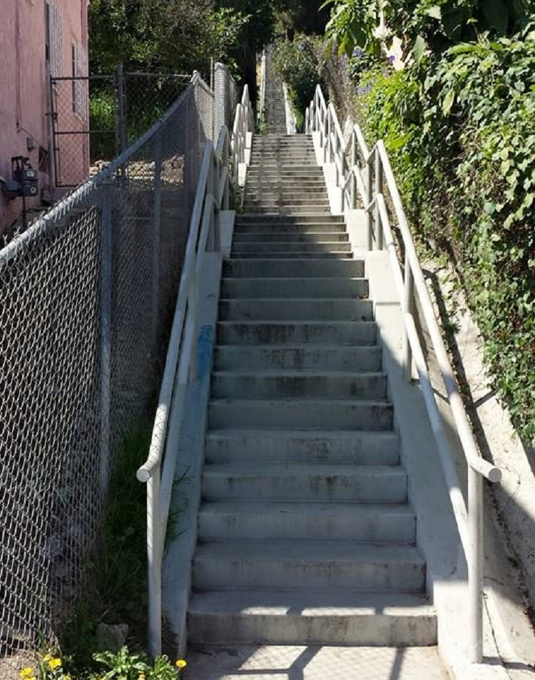 Climb The 133 Steps (even Though The Stairway Is Named, The 100 Steps) And  Turn Around At The Top And Go Back Down The Stairway, Then Right At The  Bottom On ...