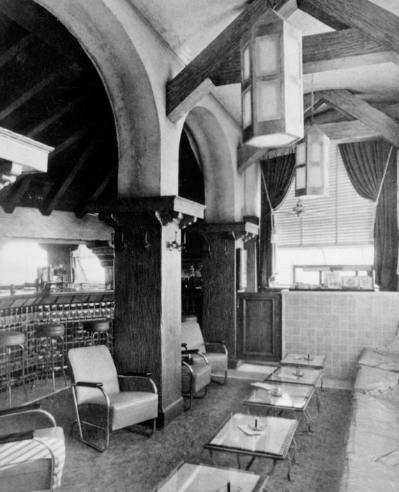 14 Thelma-Todds-Sidewalk-Cafe-interior-bar-area-ca.1934