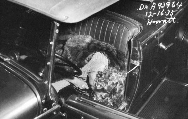 17 Thelma in car