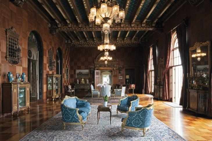 27 Villa-Leon-living-room