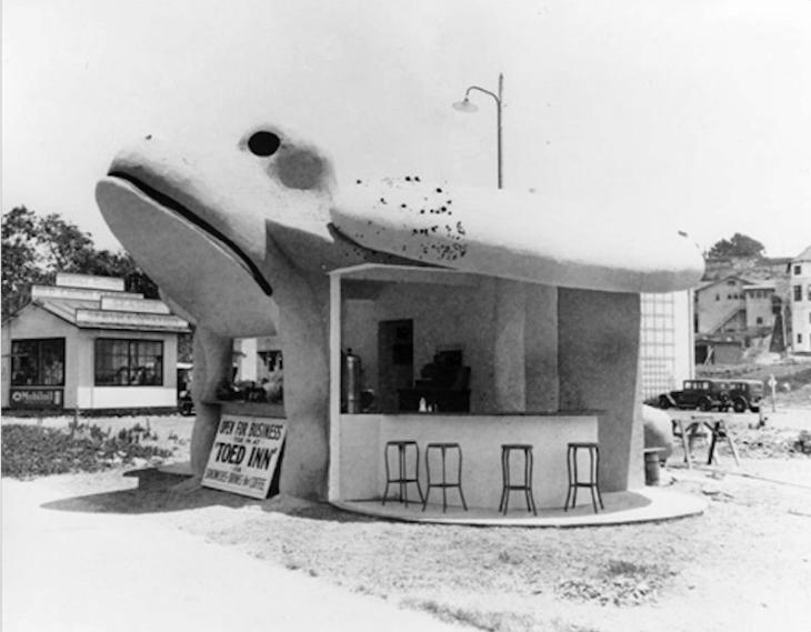 33 Toed Inn 1930