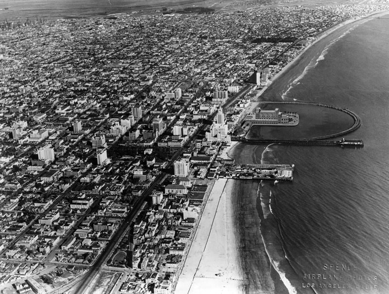 aerial_view_rainbow_pier_00072759-1932 shortly after completion