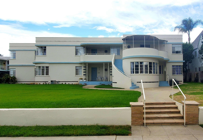 Apartments - Streamline Moderne - 3509 E 1st St - LB-3111x2158