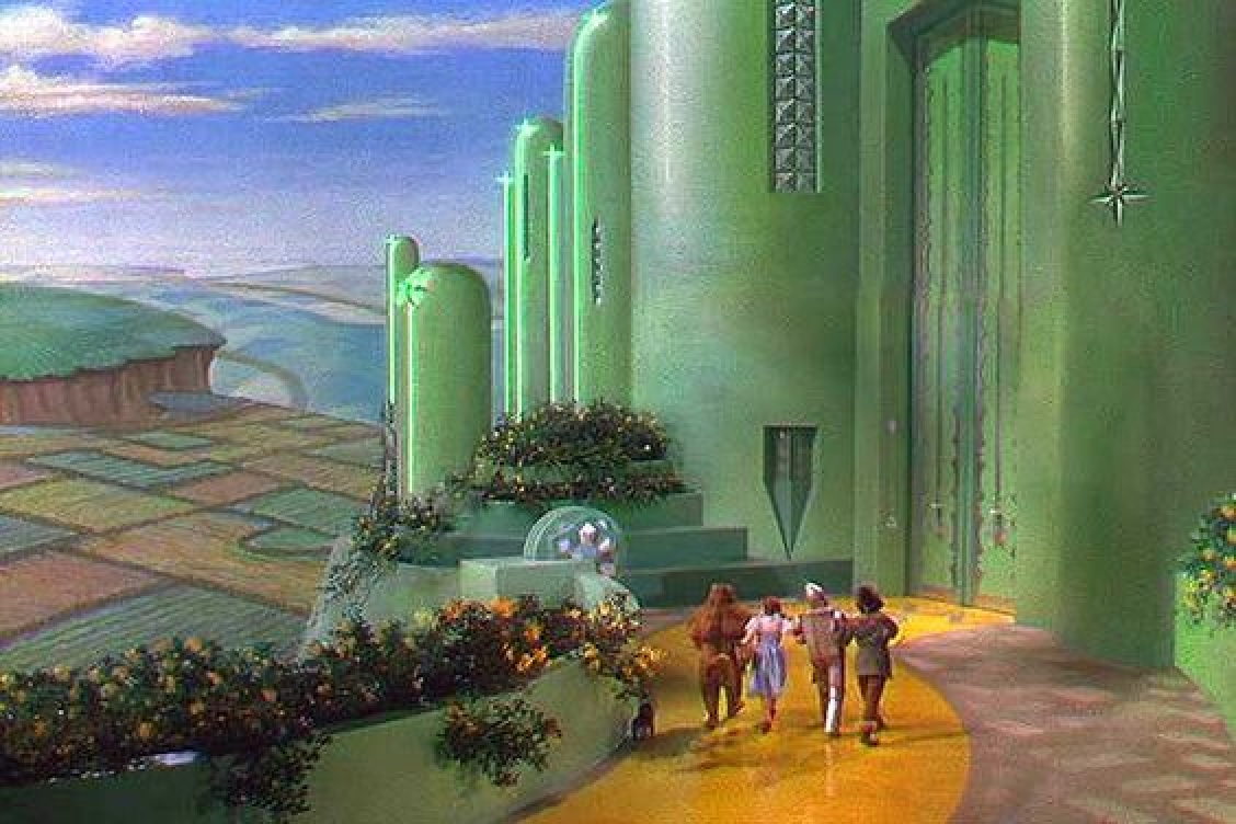 Emerald City still frame from The Wizard of Oz N1